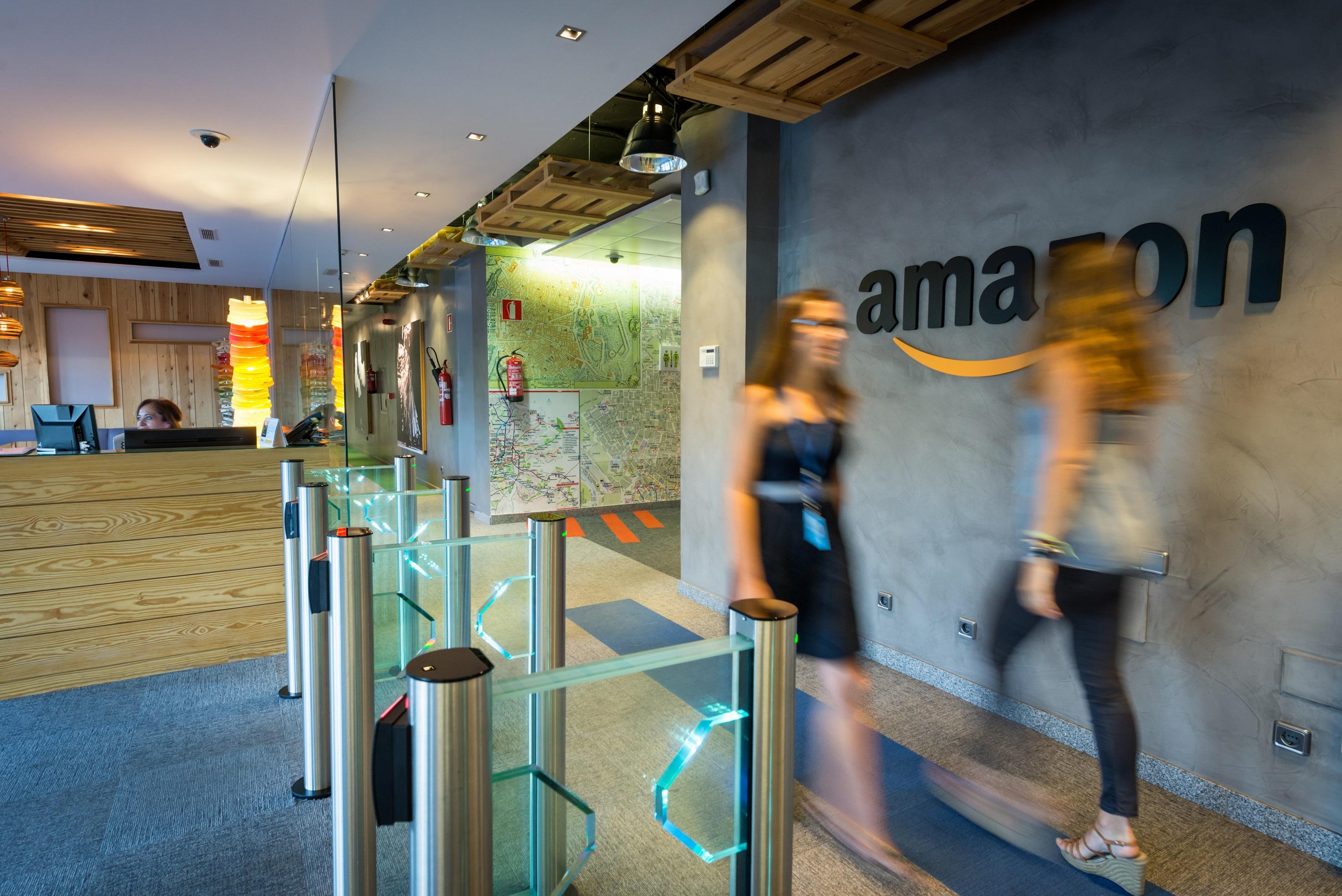 Amazon Oficinas 010